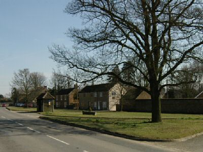 Photo: Wymondham Village Green, 92kB